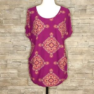 Hippie Chic plum motif t-shirt